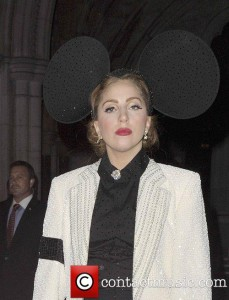 lady-gaga-with-large-mickey-mouse-ears_4083212