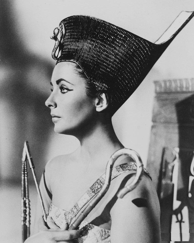 kinopoisk.ru-Cleopatra-1202407