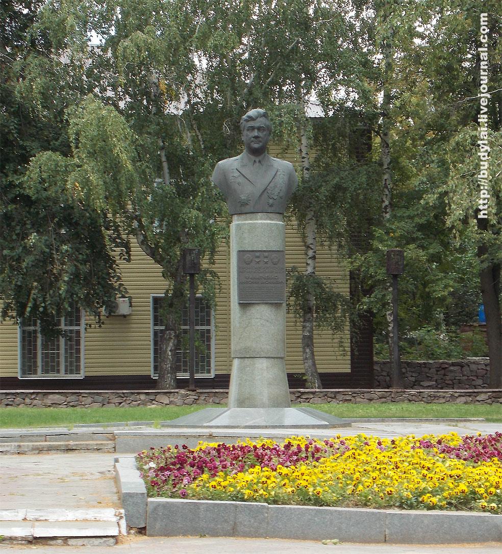 памятник-Филипченко-А