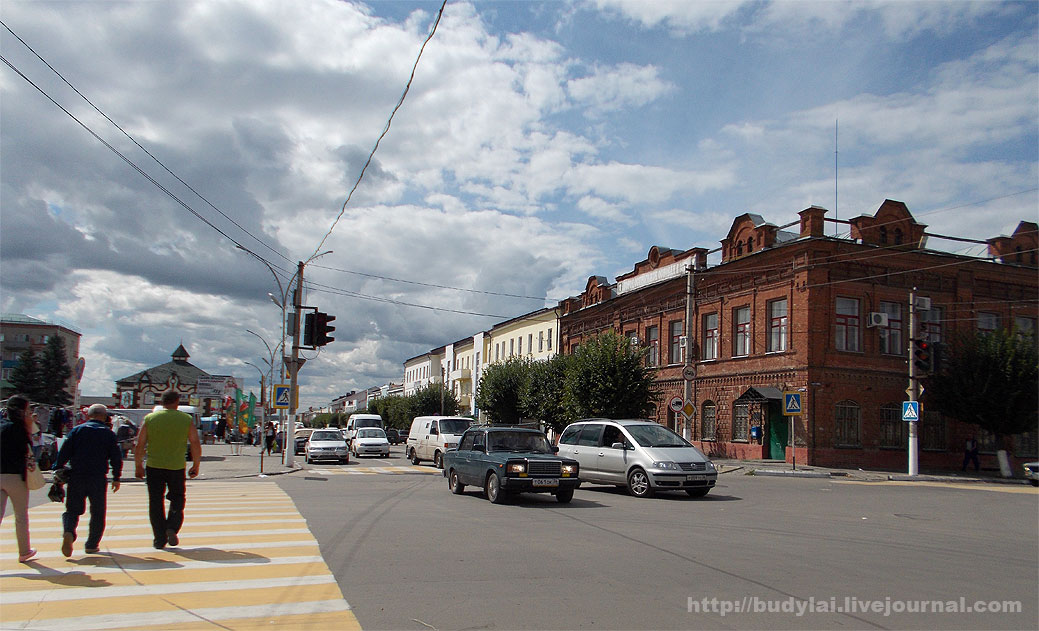 у-площади-Ленина