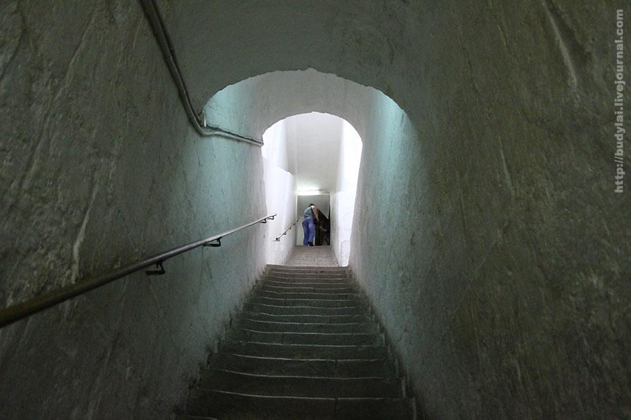 в-арке-лестница