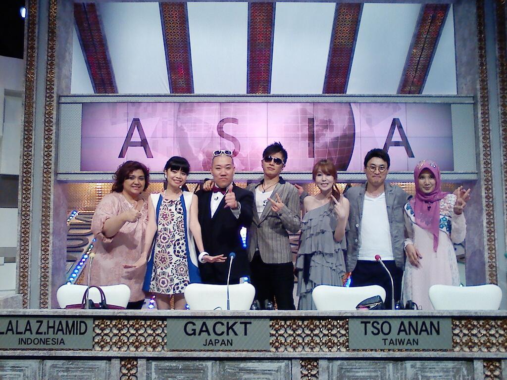 asia versus twitter 09242013-2