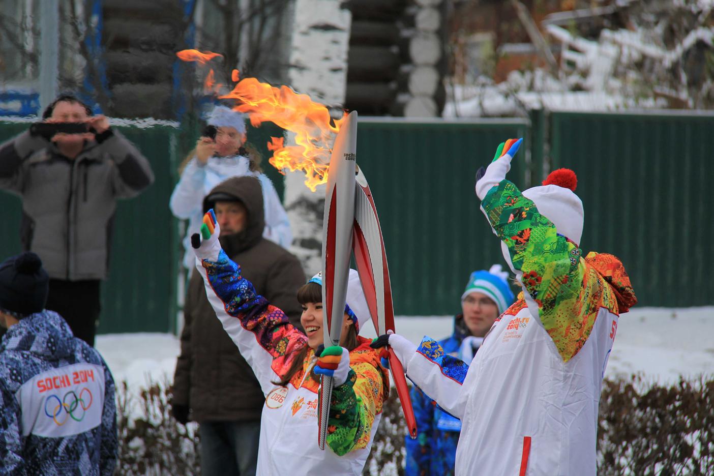 Передача эстафеты олимпийского огня3