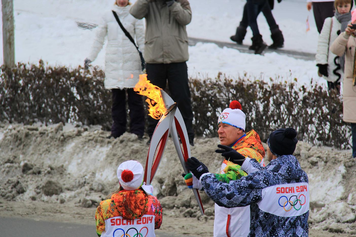 Передача эстафеты олимпийского огня4