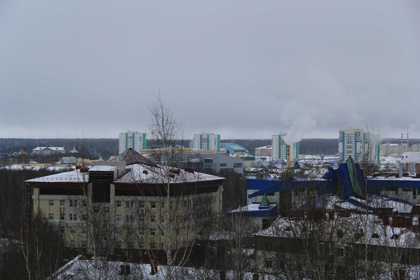 Центр Ханты-Мансийска. Вид от собора3