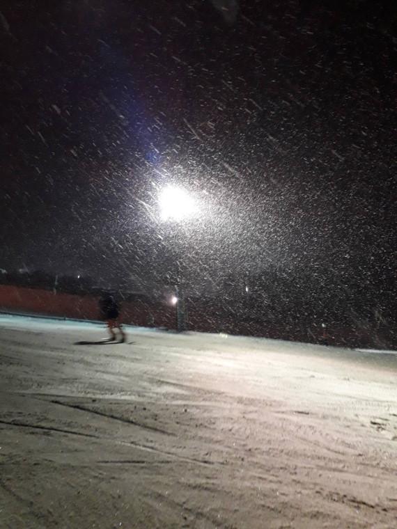 А снег идет, а снег идет...