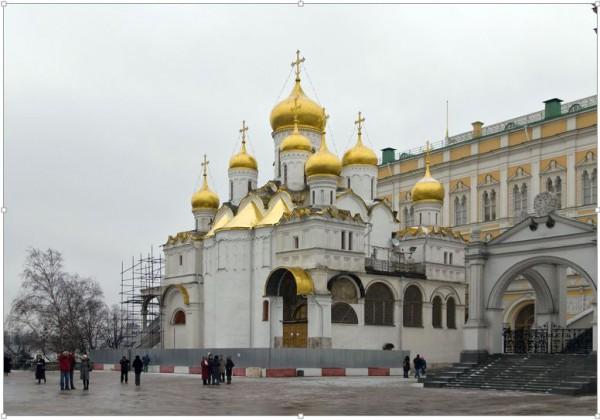 Зачем русские церкви увенчаны луковицами?
