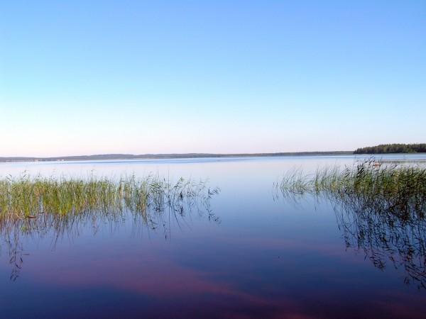 Карельское озеро.