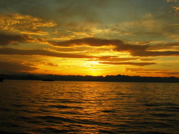 закат на Авачинской бухте.