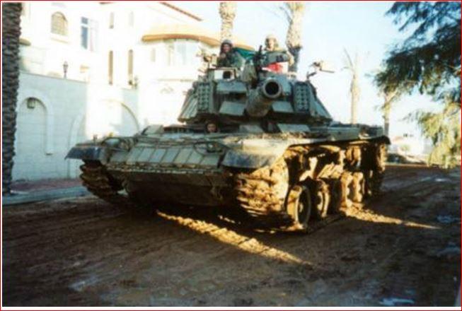 Израильский танкист дальше рассуждает про танки.