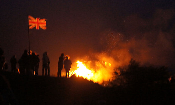 Watching the Diamond Jubilee beacon burn on Kit Hill
