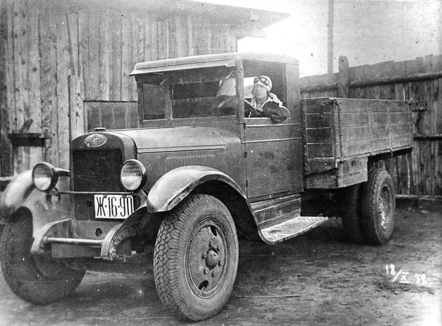 1932 Первая женщина-шофёр Зоя Милашина_новый размер