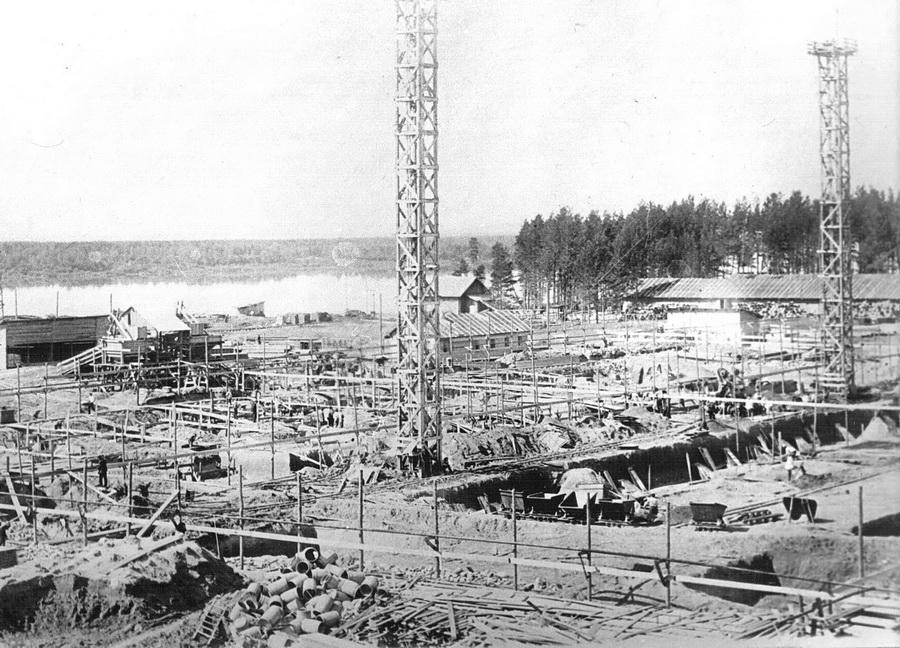 Начало строительства зала БДМ 1933_новый размер