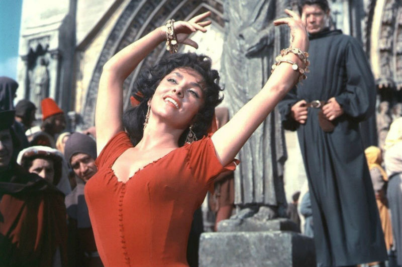 Кадр из фильма Собор Парижской богоматери.jpg