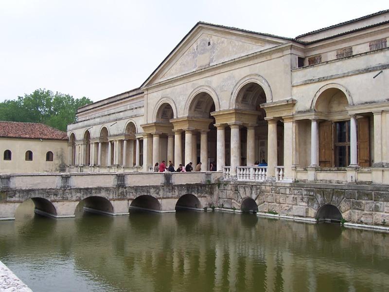Mantova - Palazzo Te.jpg
