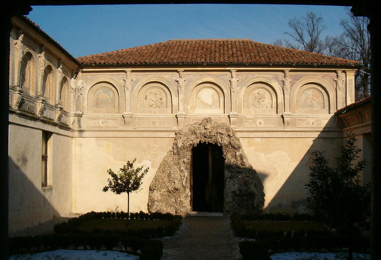 Palazzo Te - giardino segreto.jpg