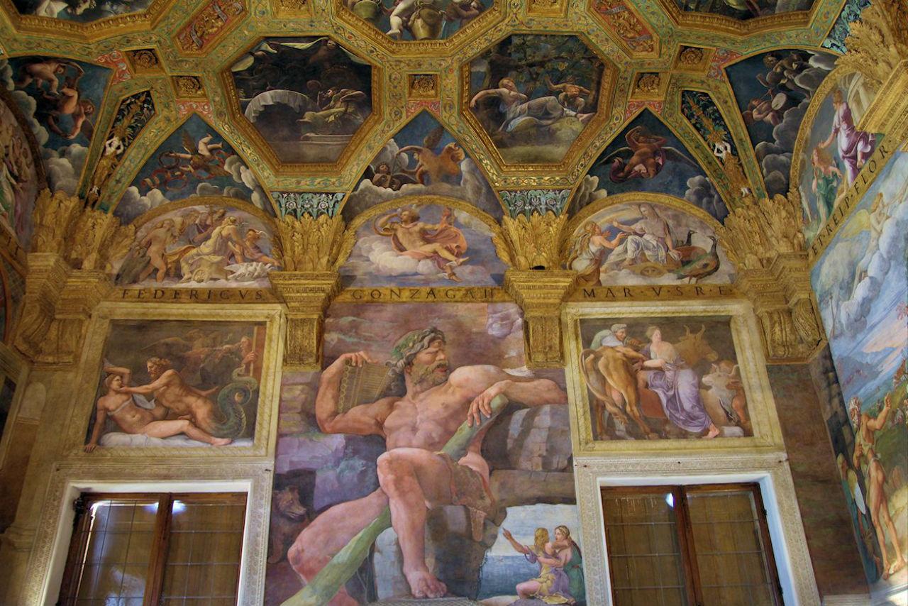 Фрески в Палаццо дель Те - Мантуя - 1530.jpg