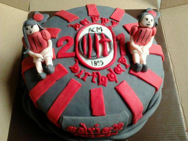 Red Velvet Cake Delivery Uk