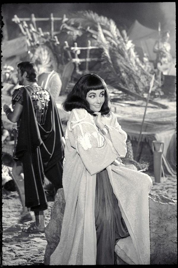 Cleopatra on Blu-Ray is out today! 20th Century Fox releases NEVER BEFORE SEEN IMAGES of Liz on ...
