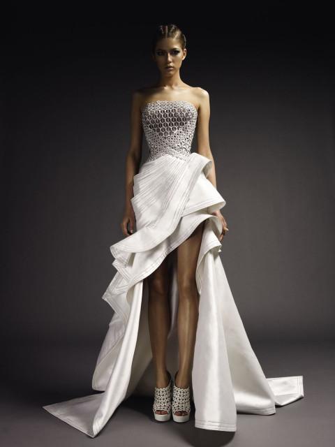 Белое итальянское облегающее платье без рукавов
