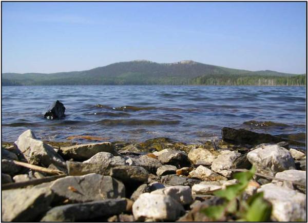 Фото № 13.2. Оз. Аракуль. Вид с восточного берега озера на горы