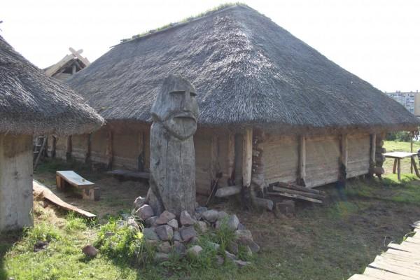 59 Волин - языческое святилище.