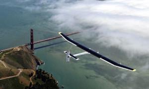 2013-08-25 01WonderfulThings-SolarImpulseGlider