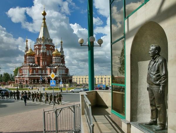 Вид на Свято-Михайловский собор