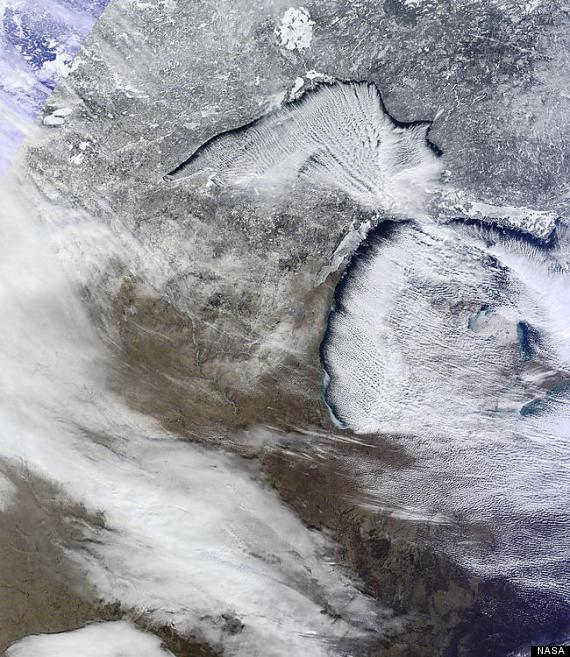 o-GREAT-LAKES-NASA-PHOTO-MICHIGAN-SNOW-570