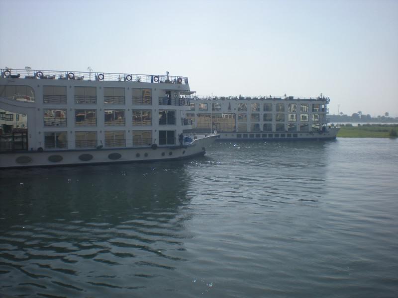 круизные кораблики