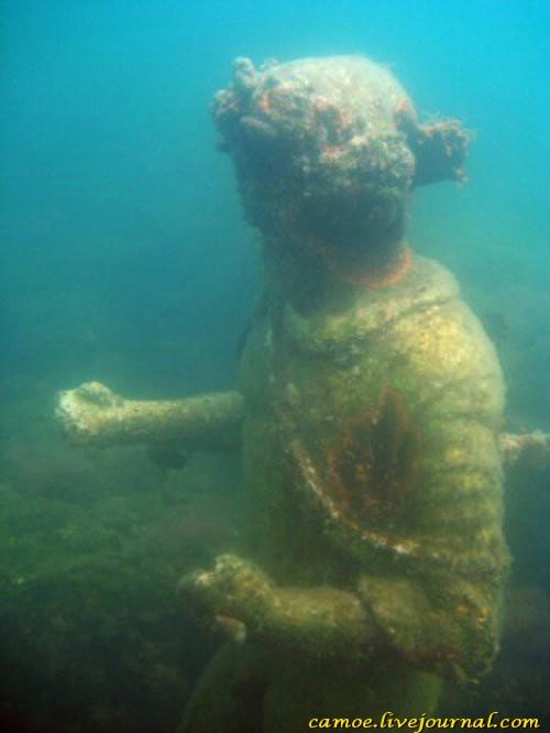 1365056701_podvodnye-ruiny-7