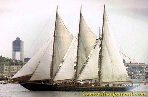 1351190355_10biggest-superyachts-0