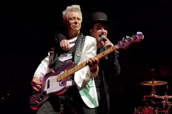 Adam & Bono on the EI Tour (click to enlarge)