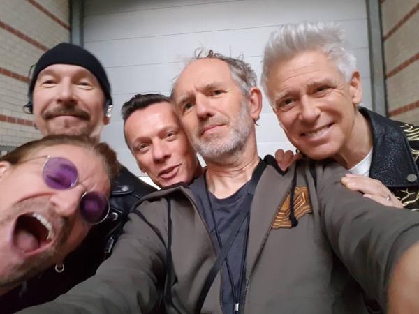 Anton Corbijn & U2 (click to enlarge)