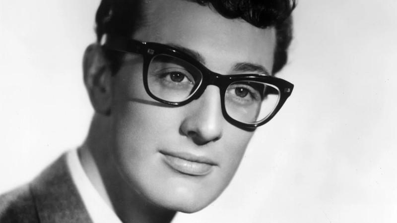 Чарльз Хардин Холли (Charles Hardin Holley), известный как Бадди Холли (Buddy Holly; 7 сентября 1936 — 3 февраля 1959) — американский певец и автор песен, один из первопроходцев рок-н-ролла. Несмотря на то, что его успех продолжался всего полтора года (будучи лишь 22-летним, он погиб в авиакатастрофе), критик Брюс Эдер описал его личность как «самую влиятельную созидательную силу в раннем рок-н-ролле». Его инновации в творчестве сильнейшим образом повлияли в равной мере как на современников, так и на последующие поколения музыкантов, включая The Beatles, The Beach Boys, The Rolling Stones, Боба Дилана; ключевым образом отразились на дальнейшем развитии поп-музыки. Холли был в числе первых включенных в Зал славы рок-н-ролла в 1986. В 2004 по версии журнала Rolling Stone Бадди Холли получил 13-е место в списке «Величайших артистов всех времен»