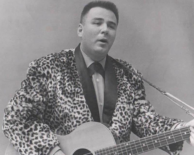 Джайлс Перри Ричардсон младший (Jiles Perry Richardson, Jr., более известный как Биг Боппер (The Big Bopper); 24 октября 1930 — 3 февраля 1959) — американский диджей, певец, автор песен, один из первопроходцев рок-н-ролла. Наиболее известной из его песен является «Chantilly Lace», ставшая хитом в 1958 году.