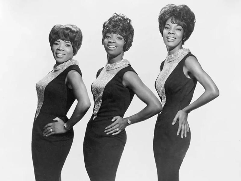 Martha and the Vandellas (с 1967 по 1972 были известны как Martha Reeves and the Vandellas) — одна из самых успешных групп, работавших на студии звукозаписи Моутаун в период с 1963 по 1967 годы. От других моутаунских групп, таких как The Supremes и The Marvelettes, Martha and the Vandellas отличались более жёстким ритм-н-блюзовым звучанием, например, в песнях «(Love Is Like a) Heat Wave», «Nowhere to Run», «Jimmy Mack» и особенно в песне, которая стала их визитной карточкой, «Dancing in the Street». В течение девяти лет с 1963 по 1972, Martha and the Vandellas записали двадцать шесть хитов в самых разных стилях: ритм-н-блюз, ду-воп, поп, блюз, рок и соул. Десять песен Vandellas вошли в лучшую десятку Billboard хит-парад ритм-н-блюза, в том числе два ритм-н-блюзовых хита № 1. Двенадцать песен Vandellas попали в лучшие 40 Горячей сотни Billboard, шесть из которых вошли в лучшую десятку в том числе «Dancing in the Street», «Heat Wave», «Nowhere to Run» и «Jimmy Mack».