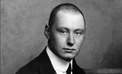 Граф Василий Алексеевич Комаровский (21 марта [2 апреля] 1881, Москва, Российская империя — 8 [21] сентября 1914, там же) — русский поэт «Серебряного века» из рода Комаровских.