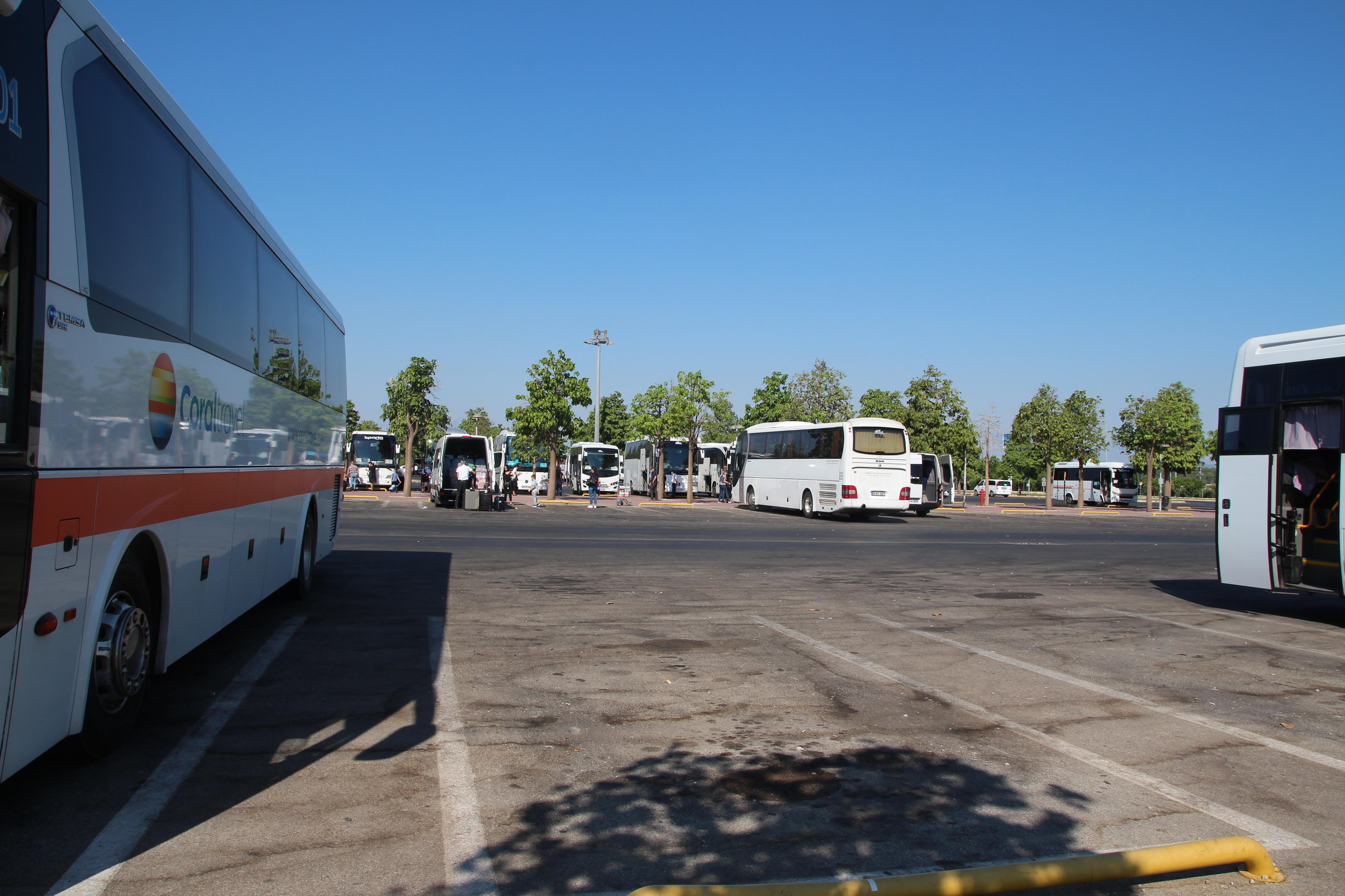 По количеству автобусов — этот сезон не самый рекордный по наплыву туристов