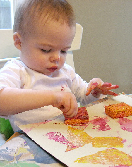 sponge-painting-for-babies-and-toddlers-