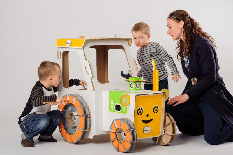 cartonpapa.com-traktor-8238