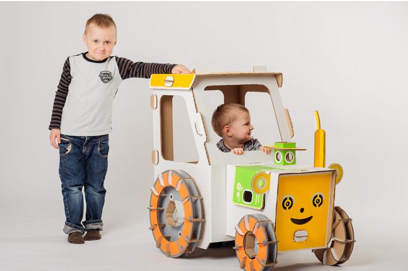 cartonpapa.com-traktor-8270