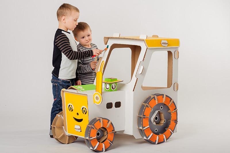 cartonpapa.com-traktor-8370