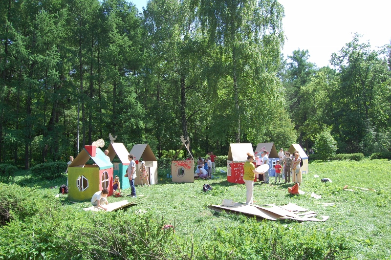 Cardboard houses_012 (800x532)