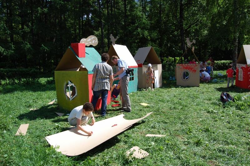 Cardboard houses_013 (800x532)