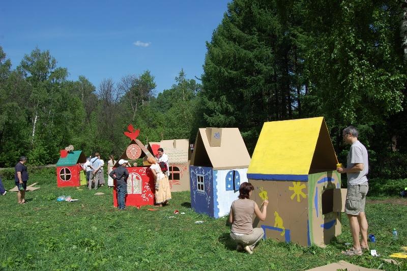 Cardboard houses_017 (800x532)