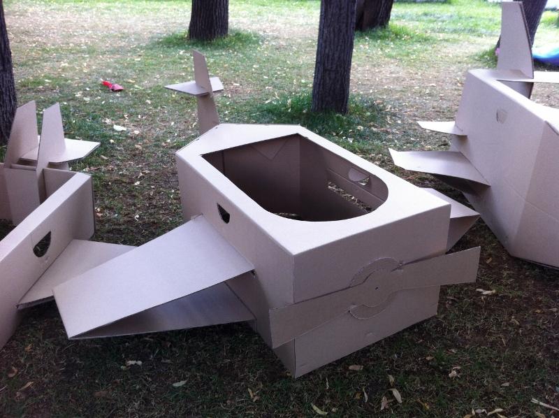 Cardboard_plane_04