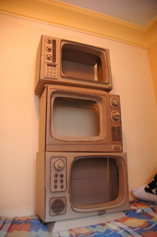 Как сделать телевизор из под коробки 91