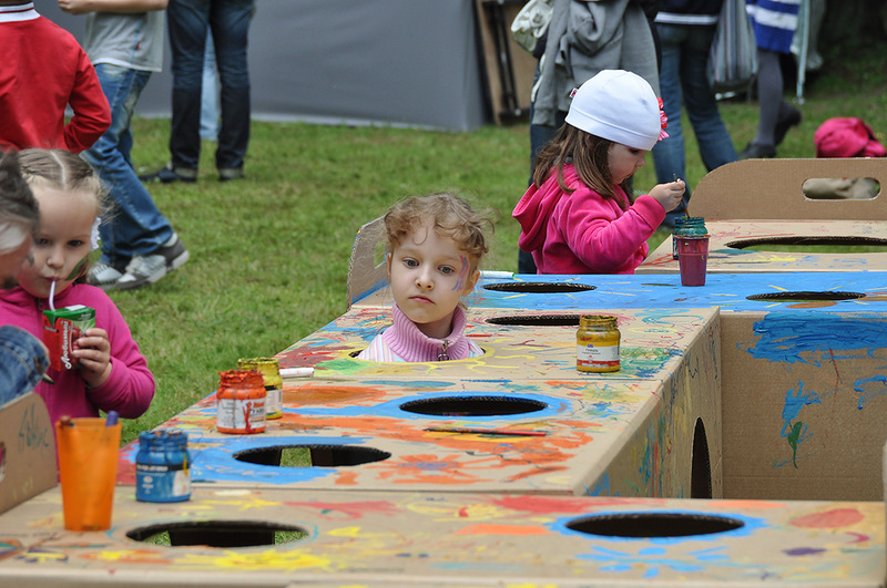 Cardboard kids party_020
