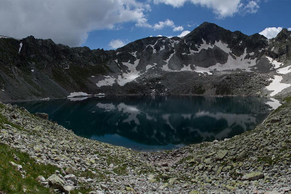 Черное Муруджукское озеро